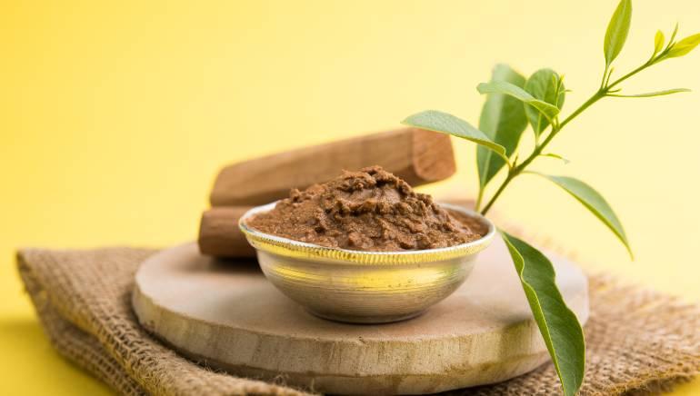 Sandalwood And Almond Powder